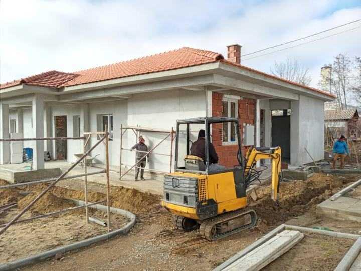 Интензивно се уредува третата ламела од Домот за стари во Берово