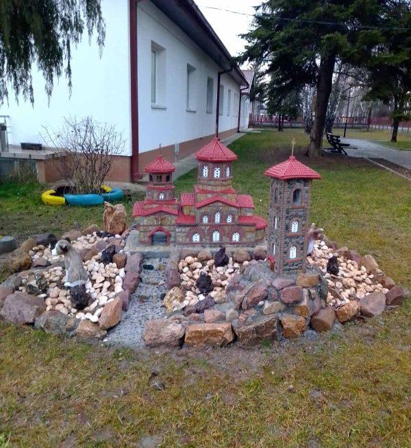 Се разубавува дворната површина во Домот за стари лица во Берово