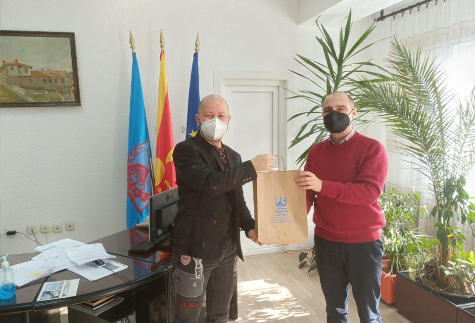 Градоначалникот Пекевски оствари средба со Дамјан Карпузовски чија донација помогна во полесно справување со предизвиците на КОВИД 19