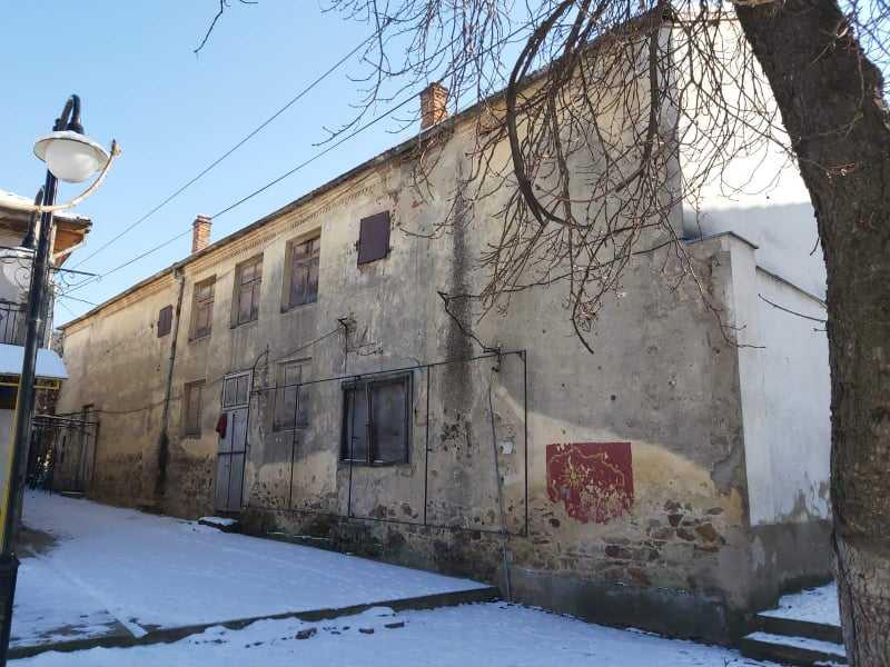 Општина Берово обезбеди техничка документација за реконструкција на кино салата во Берово