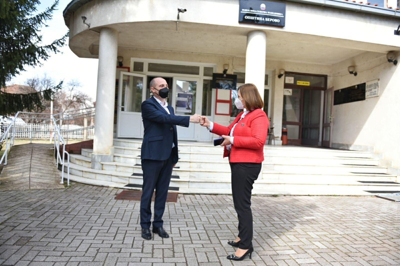 Градоначалникот Пекевски оствари средба со Министерката за труд и социјална политика Шахпаска